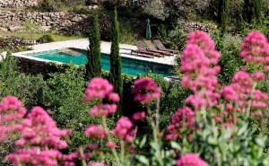 Bed and Breakfast Spanien, Pool und Blumen
