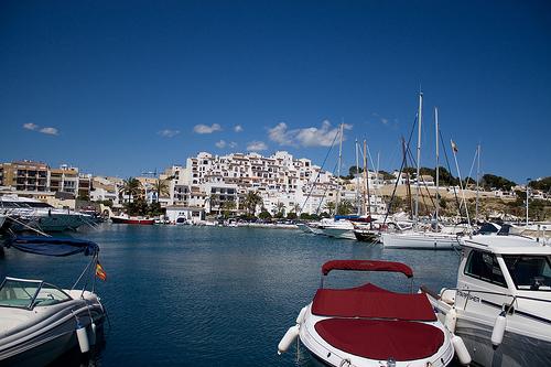 Nette Dörfer Alicante, Moraira Hafen