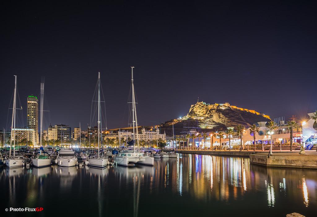 Schöne Städte Costa Blanca, Alicante Hafen