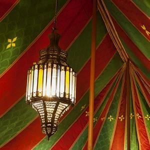 Glamping details of rental tent La Jaima