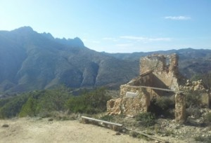 Walking trip Spain, ruins Finca-Pastor-Sierra-Oltá