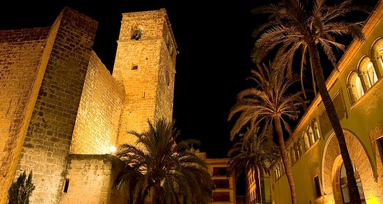 Places to visit Alicante, the church of Jávea by night