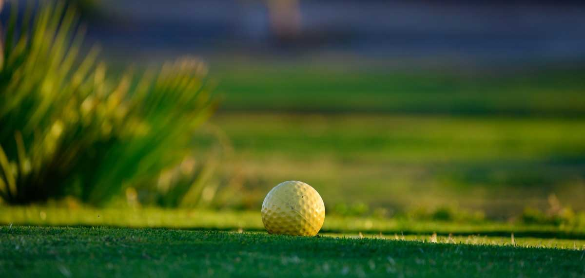 play golf during your holidays at Casa Rural Refugio Marnes