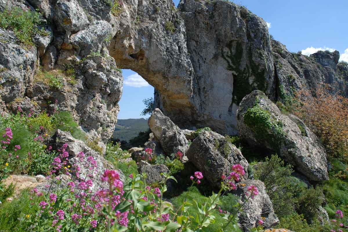 La-Forada-Sierra-de-La-Forada-Vall-de-Alcala-Alicante.jpg