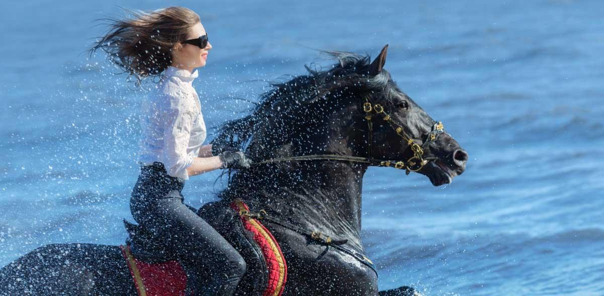 montar caballo en tus vacaciones en casa rural Refugio Marnes