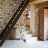 passage from the lounge to kitchen of La Ruina