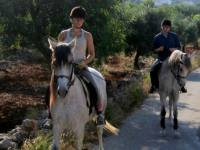 Horse riding Refugio Marnes