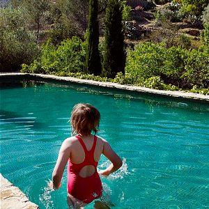 Waterpret in het zwembad van Refugio Marnes
