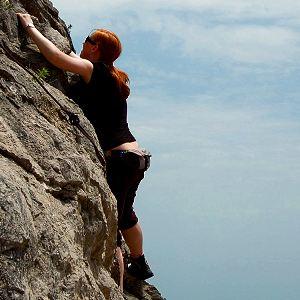 Free climbing in de Sierra de Bernia in Spanje