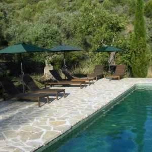 Het zwembad bij vakantiehuis La Ruina