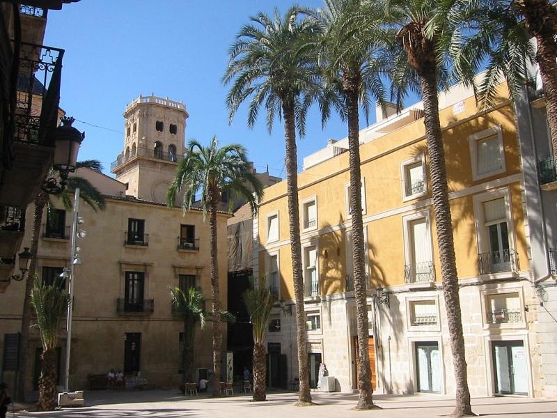 Leuk plein Alicante, mooie steden Costa Blanca