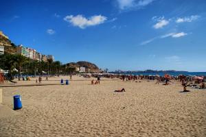 Mooie steden Costa Blanca, Alicante strand direct aan boulevard