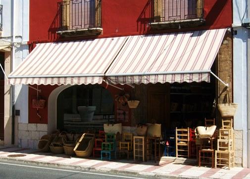 Een mimbre winkel in Gata de Gorgos
