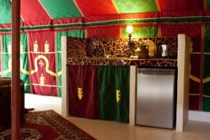 Keukentje van huurtent La Jaima, glamping Spanje