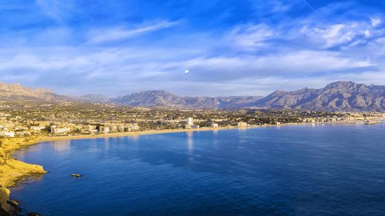 costa blanca en het binnenland baai altea